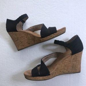 Toms Sz 8 Cork Black Ankle Strap Wedge Heels Shoes